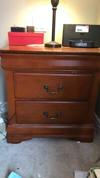 Brown wooden 2-drawer nightstand Coquitlam, V3B 5X6