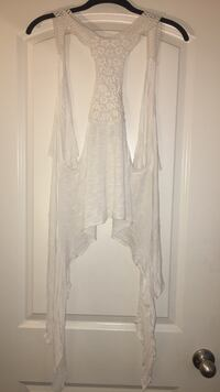 Large long white flower crocheted pull over Triangle, 22172