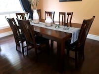 wood table in a great condition  Caledon