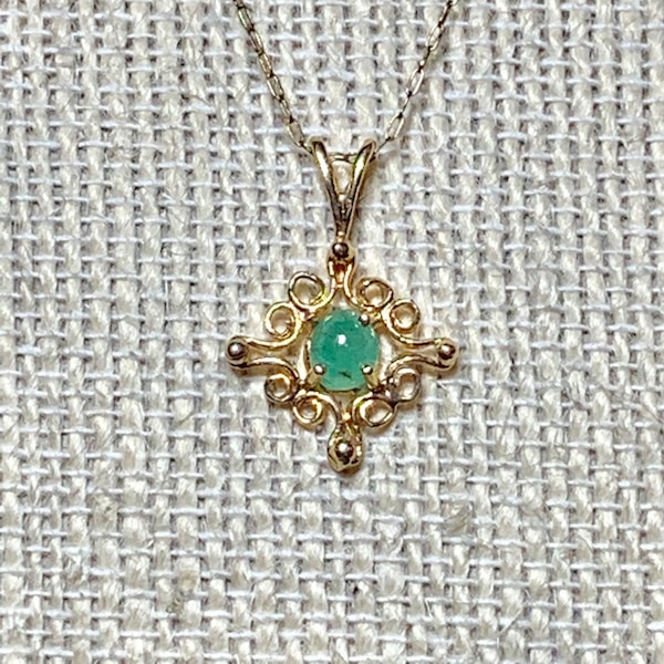 Genuine 14k Yellow Gold Apple Green Jade Pendant with 14k Chain f827dce5-7e43-4c64-bb25-bc58a3749eb0