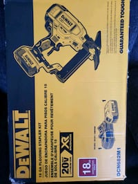 DEWALT BRUSHELLS STAPLER FLOORING KIT