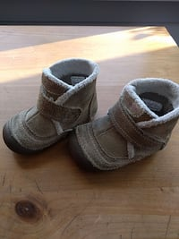 Striderite boots for first walker, size 4.5