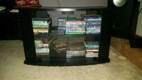 Tv stand/ movie cabinet London, N5Z 3A4