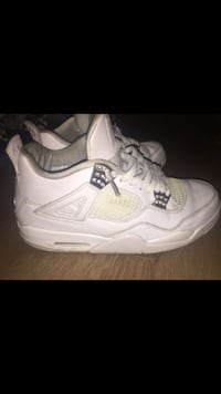 Pair of white air jordan 4's pure money  Washington, 20024