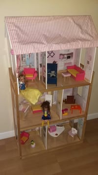KidKraft Doll House with dolls and furniture Springfield, 22151