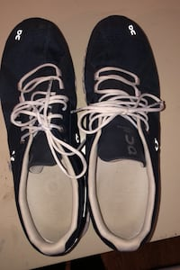 ON Running Shoes, men's size 11M Chevy Chase