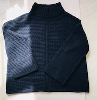 Deep blue chunky knit pullover London, W2 6DX