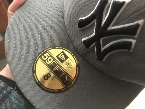 Used yankees hat from lids brand new for sale in Ocean Gate - letgo e9f39642cba