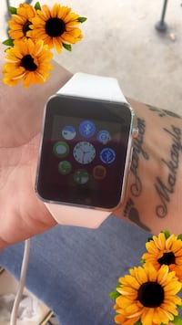 WHITE AWESOME SMARTWATCH!!!! Smiths Station