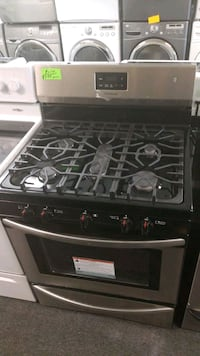 Frigidaire new scratch and dent gas range 5burner  Randallstown