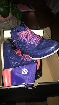 Pair of purple and orange D rose 3 shoes with box El Sobrante, 94803