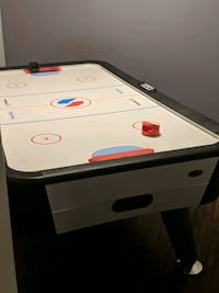 Air hockey table large 8x4 Edmonton, T5X