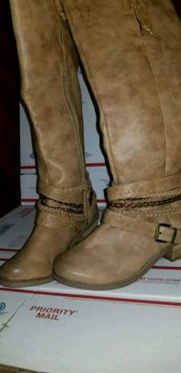 pair of brown suede round toe chunky heeled knee-high boots New Orleans, 70119