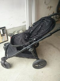 Gently used Baby Jogger Stroller Vaughan, L4H 2Y4