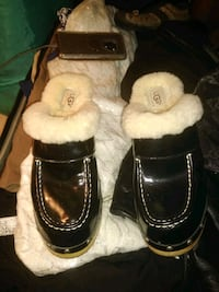 Ugg clogs Anchorage, 99577