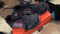 Steal toe shoes size 10 woman's