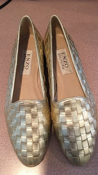 Gold-colored enzo leather flats