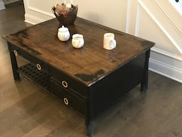 Very Nice Farm House Style Coffee Table