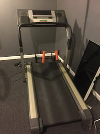 Black and gray automatic treadmill Waldorf, 20603