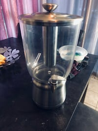 Tabletop 3gal drink container