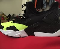 black and neon green huaraches  Kingsport, 37660