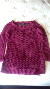 Pink knitted scoop neck sweater Laval, H7B 1C7