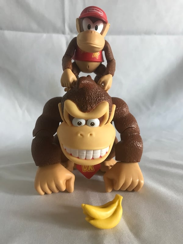 Donkey Kong country action figure set!! b130dcf6-7be7-483d-a44c-d22702eb7fdb