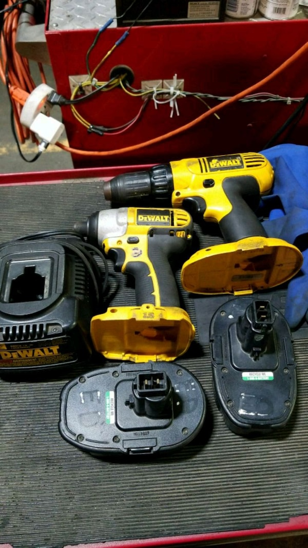Used 18v Dewalt 1 4 And 2 Impact Driver Drill For In Forest Park