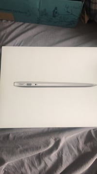 Mac Book Air Box Hyattsville, 20785
