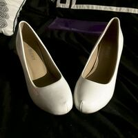 pair of white leather heeled shoes San Elizario, 79849