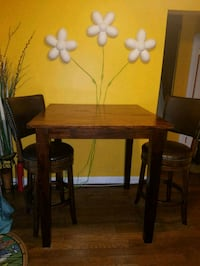 rectangular brown wooden table with four chairs di Annandale, 22003