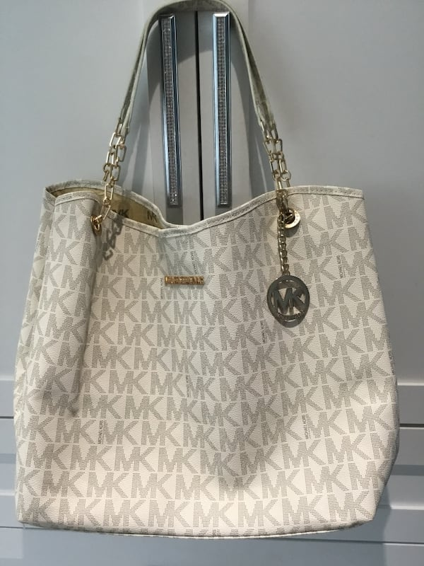 REDUCED TO $45 firm* ~ Large tote bag~Bought in Greece d7f78e4b-96bc-4bf4-82d1-d2a27571b886