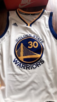Stephen curry jersey brand new size large Jacksonville, 28540