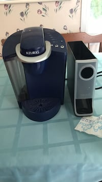 Keurig Coffee Maker W/ K-cup holder Falls Church, 22042