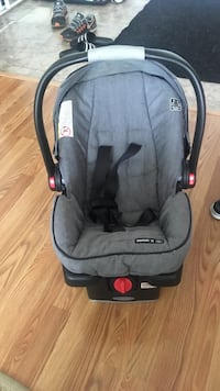 baby's gray and black car seat carrier Toronto, M1S 2Y3