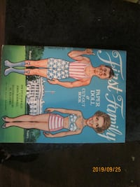 The First Family Paper Doll Book - Reagans New