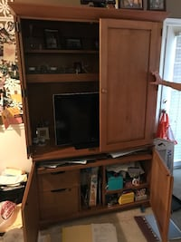 Ethan Allen land solid wood TV and shelf unit with drawers Danvers, 01923