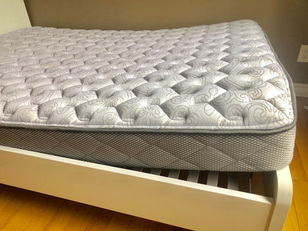 Excellent condition Queen size mattress  db1cfe4f-6075-4d5f-9f62-6f9245102b99
