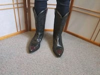 Canada made cowboy boot size 10.5