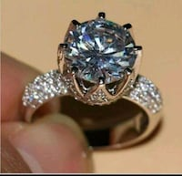 jeweled silver-colored solitaire ring 3731 km