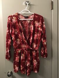 red and white floral long-sleeved dress Winnipeg, R2C 1M9