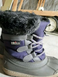 pair of purple-and-black winter kid boots Dollard-Des Ormeaux, H9G 1H1