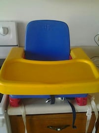 baby's blue and yellow high chair Montreal