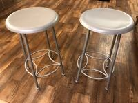 Two 24 inch tall bar stools Poway, 92064