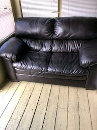 black leather 2-seat sofa Manchester, 03102