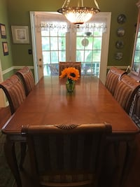 Dining Cabinet, Table and Chairs North Charleston, 29418