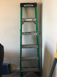Green And Gray Metal A Frame Ladder In Syracuse Letgo