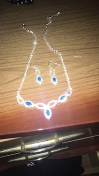 white and blue beaded necklace Lower Sackville, B4C