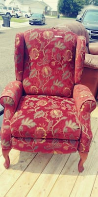 red and white floral fabric sofa chair Idaho Falls, 83402
