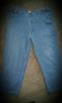 WOMEN'S CAPRI'S SIZE 24 ONLY $7